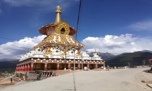 Zdjęcie CHINY / Garze / Garze / Stupa