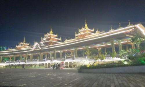 Zdjecie CHINY / Xishuangbanna / Jinghong / Jinghong