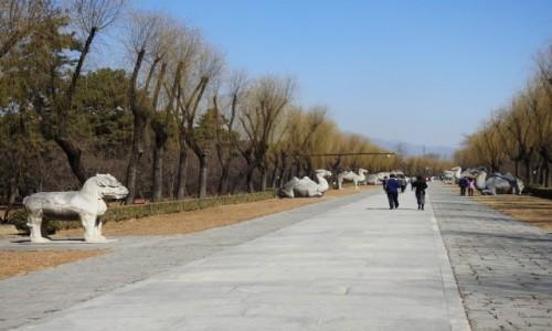 CHINY / Pekin / Dolina Mingów / Święta Droga