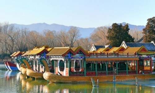 Zdjecie CHINY / Pekiin / Pałac Letni / Wypłyną jak tylko puszczą lody