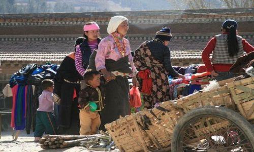 CHINY / brak / Xiahe- Prowincja Gansu / Targ dzienny_