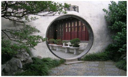 Zdjecie CHINY / Chiny Wschodnie / Suzhou - Ogród Mistrza Sieci / Przejście