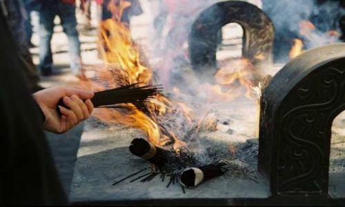 Zdjecie CHINY / brak / Datong / w modlitewnej chwili