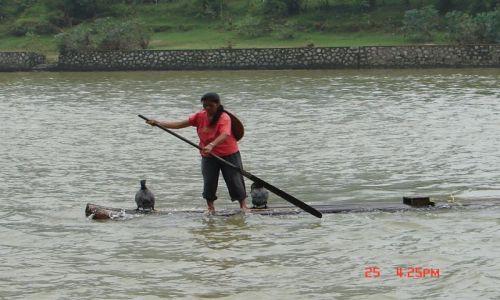 Zdjecie CHINY / Guangzo / Yangsao / Komputery na rzece