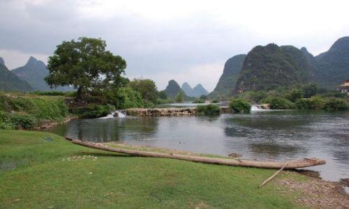 Zdjecie CHINY / Guangxi Zhuang / Okolice Yangshuo / Li River