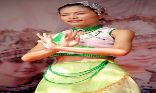 Zdjęcie CHINY / Guangxi Zhuang / Guilin / Chińska tancerka