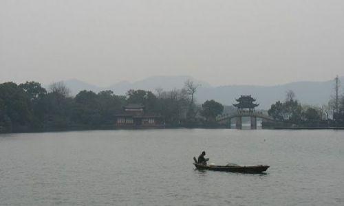 Zdjecie CHINY / Hangzhou / West lake / Samotność wśród miliarda