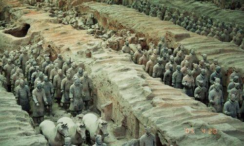 CHINY / Shaanxi / X'ian / Armia Terakotowa