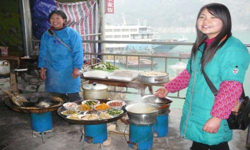 Zdjecie CHINY / Jangcy / w porcie / kuchnia też świąteczna
