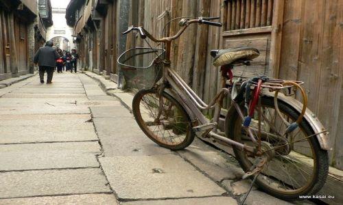 CHINY / - / Wuzhen / Wuzhen - rowerek