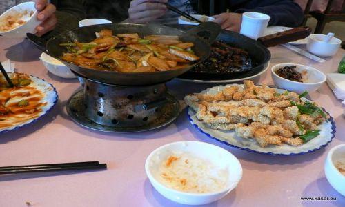 CHINY / - / Pekin / Kulinarnie - uczta w hutongach