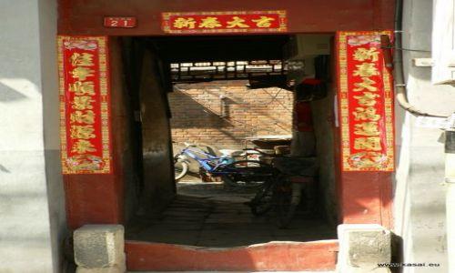 Zdjęcie CHINY / - / Hutongi / Pekin - drzwi w hutongach