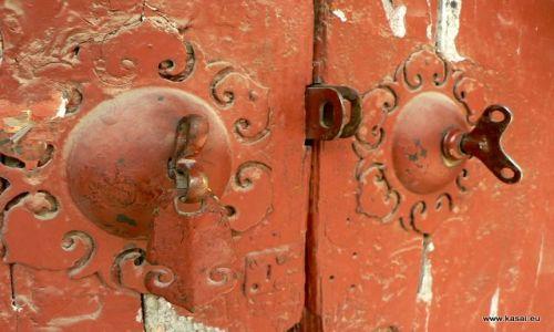 Zdjęcie CHINY / - / Hutongi / Pekin - zamek ;)