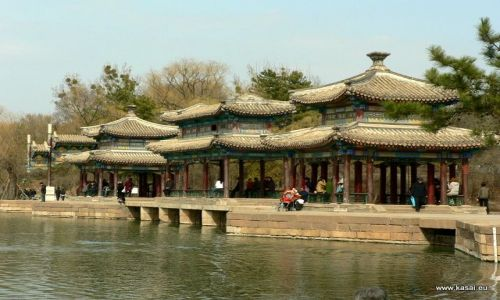 CHINY / - / Chengde / Chengde - Park i jezioro przy Pałacu Cesarskim