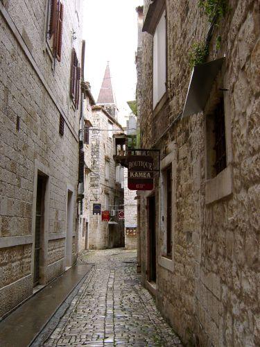 Zdjęcia: Trogir, Dalmacja, Uliczka w Trogirze, CHORWACJA