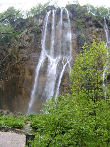 Zdjęcia: Plitwickie jeziora, Dalmacja, Największy wodospad w Plitwicach, CHORWACJA