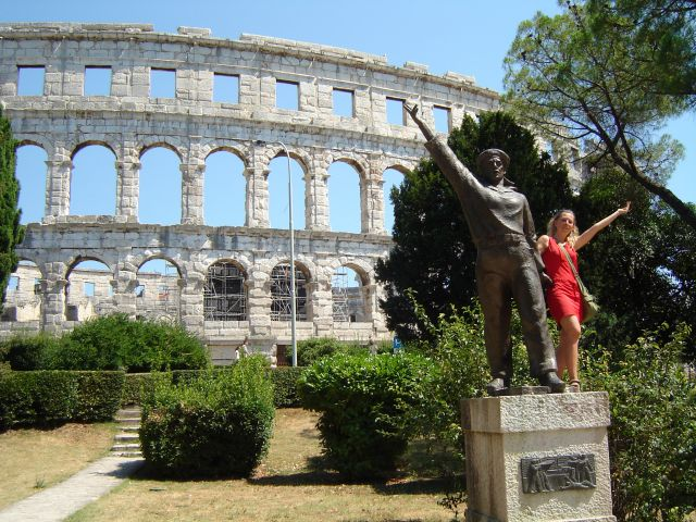 Zdjęcia: Pula, Istria, Fotka z wojakiem, CHORWACJA