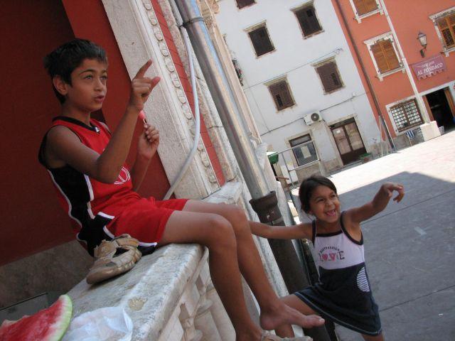 Zdj�cia: Vodnjan, Istria, Istryjskie dzieciaczki, CHORWACJA