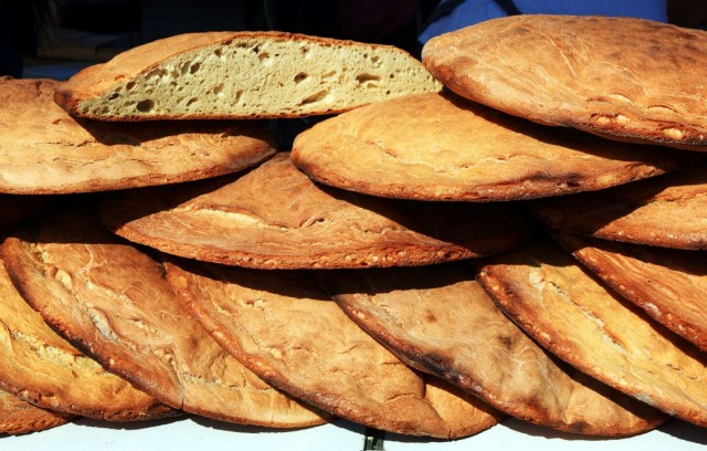 Zdjęcia: Promenada, prezentacja produktu regionalnego, Split, Chleb, CHORWACJA