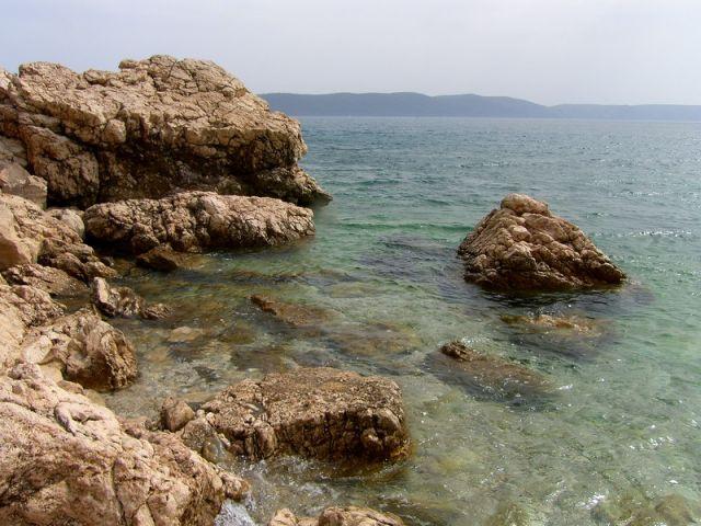 Zdjęcia: na południe od Zivogosce, Dalmacja, na brzegu..., CHORWACJA