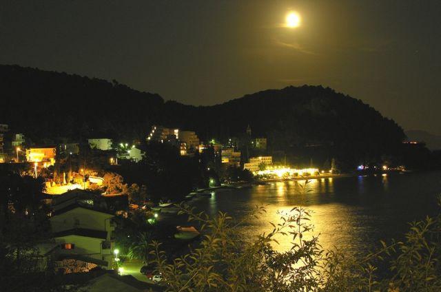 Zdjęcia: Zivogosce, Dalmacja, Księżyc nad Zivogosce II, CHORWACJA