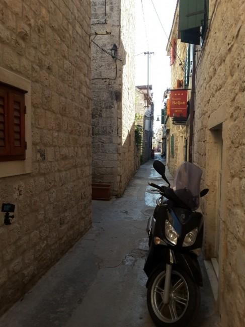 Zdjęcia: Trogir, Dalmacja, Trogir – uliczki starego miasta, CHORWACJA