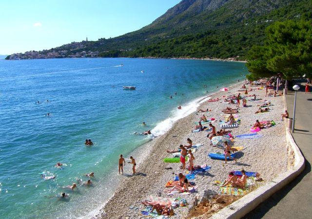Zdjęcia: Zivogosce, Dalmacja, widoczek z brzegu, CHORWACJA