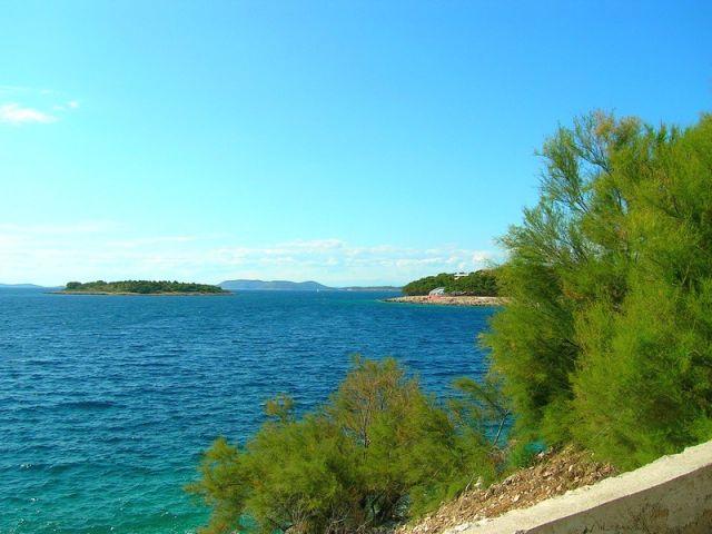 Zdjęcia: Primosten, Dalmacja, widoczek z brzegu, CHORWACJA