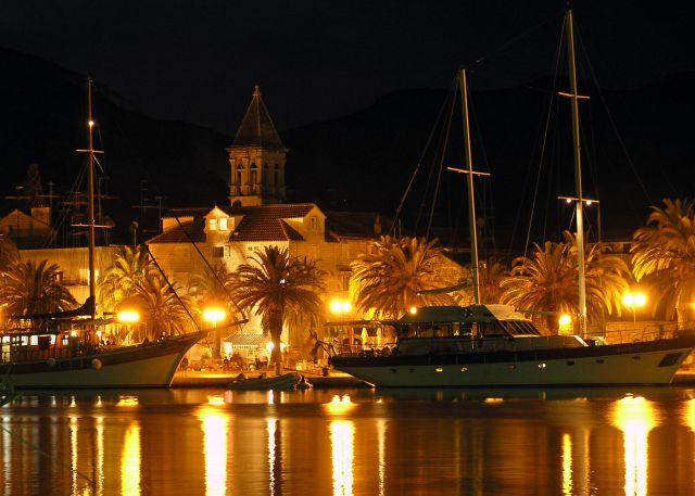 Zdjęcia: Trogir, dalmacja, port nocą, CHORWACJA