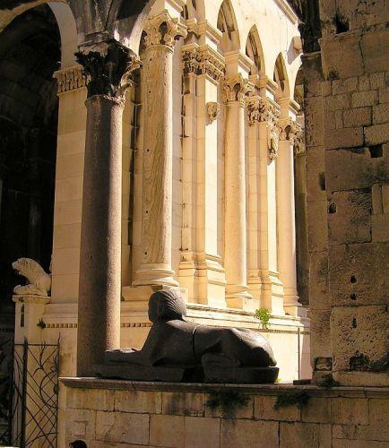 Zdjęcia: Split, Dalmacja, Lwy u Dioklecjana, CHORWACJA