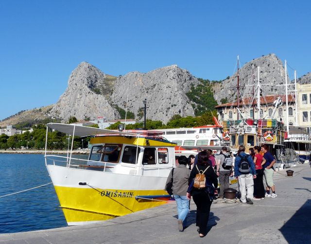 Zdjęcia: Omisz, Dalmacja, Przystań, CHORWACJA