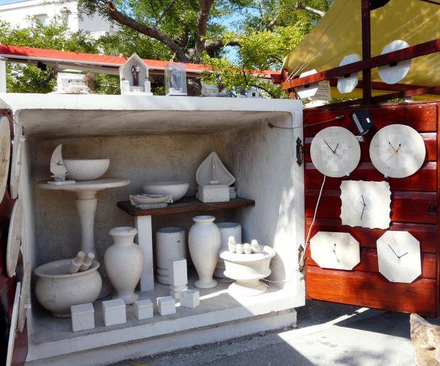 Zdjęcia: Wyspa Bracz, Dalmacja, Wyroby z marmuru, CHORWACJA