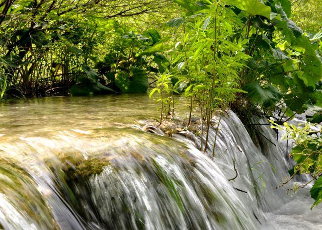 Zdjęcia: Park Narodowy Jeziora Plitwickie, Lika, środkowa Chorwacja, Malownicza kaskada, CHORWACJA