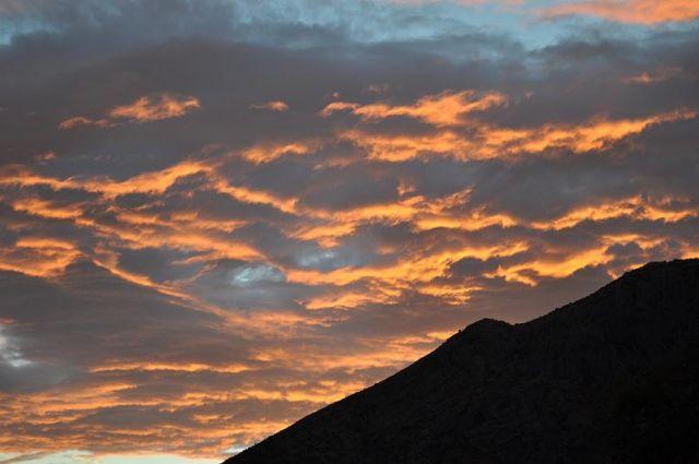 Zdjęcia: Orebić, Dalmacja Południowa, Płynąca lawa po niebie, CHORWACJA