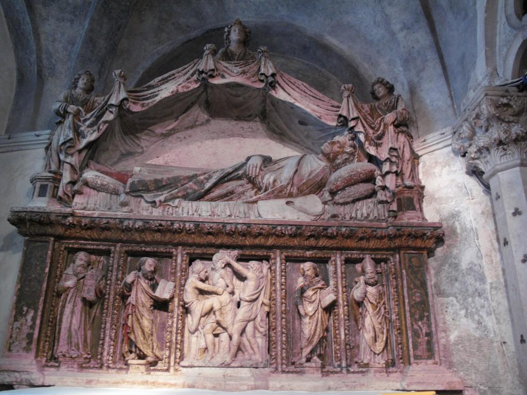 Zdjęcia: Split, Split, Boczny ołtarz- płaskorzeźba, CHORWACJA