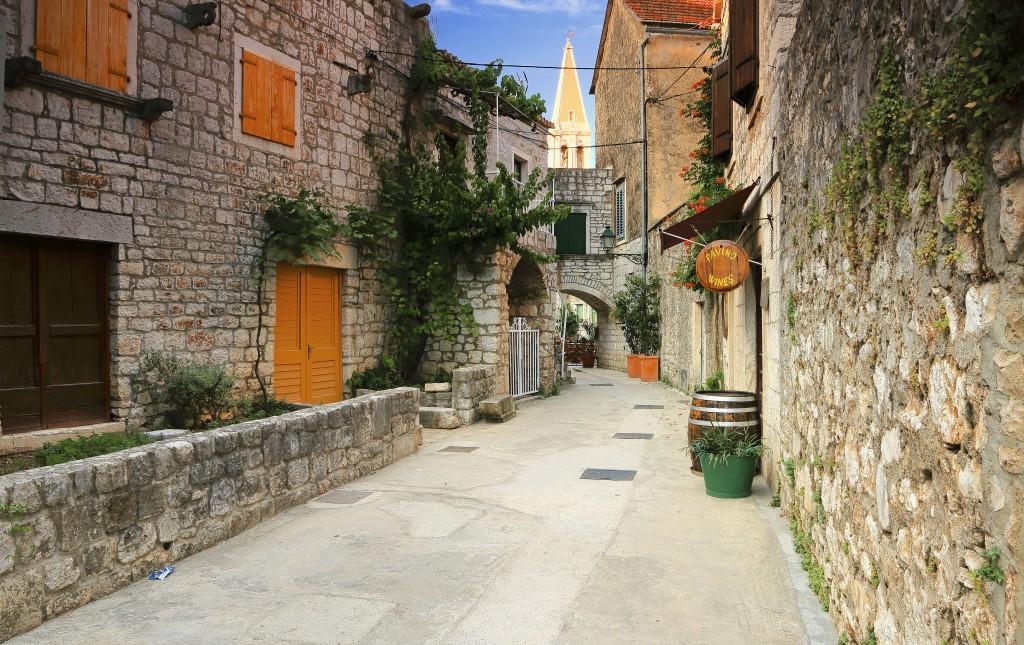 Zdjęcia:  Stari Grad , Środkowej Dalmacji -Hvar,  Stare kamienne uliczki Starego Gradu , CHORWACJA