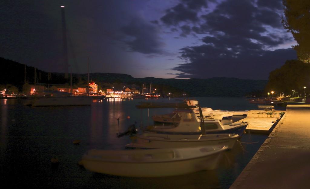 Zdjęcia:  Stari Grad , Środkowej Dalmacji -Hvar, Port nocą, CHORWACJA