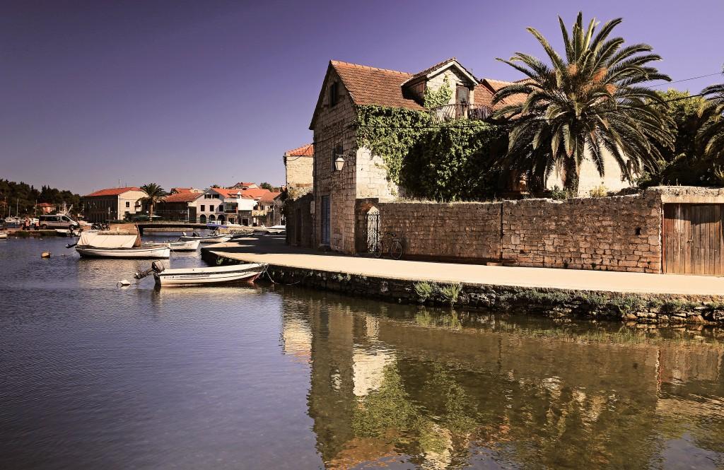 Zdjęcia: Vrboska, Środkowej Dalmacji -Hvar,  Mały port w środkowej części wyspy Hvar, CHORWACJA