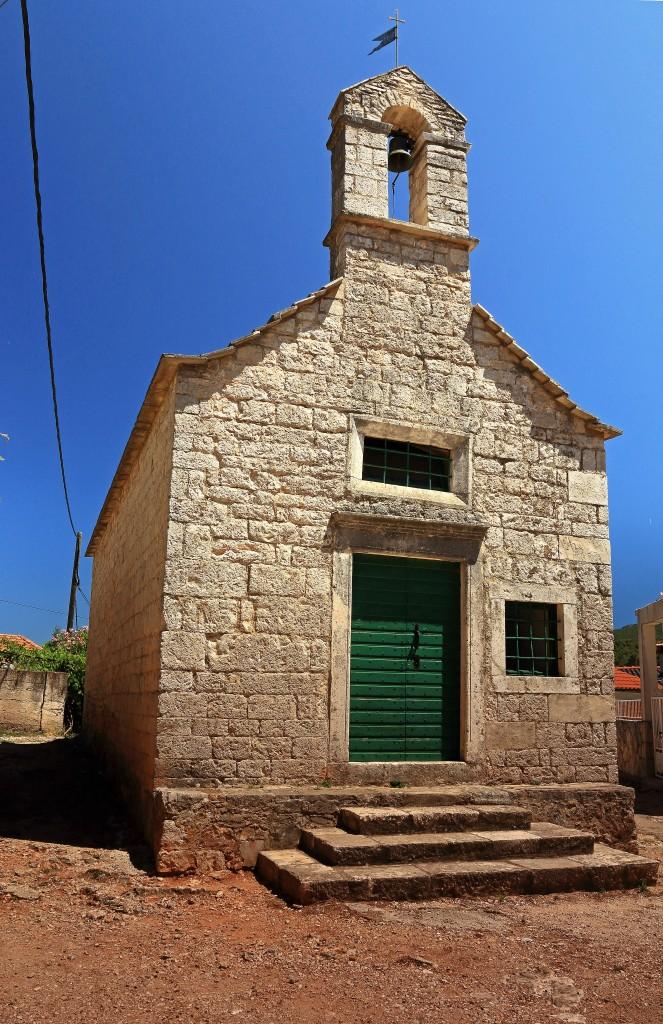 Zdjęcia: Jelsa, Środkowej Dalmacji -Hvar,  XV-wieczna kaplica, CHORWACJA
