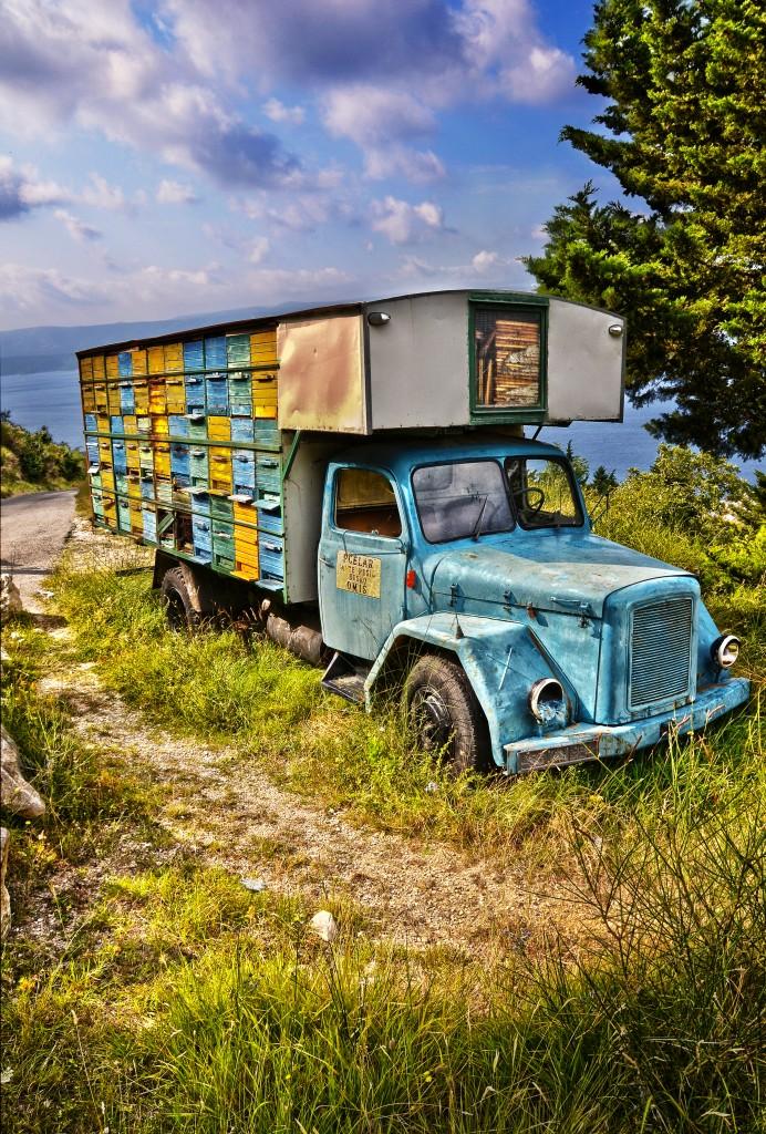 Zdjęcia: Omiś (właściwie opuszczona wioska Cecuci), Dalmacja, Ul, CHORWACJA
