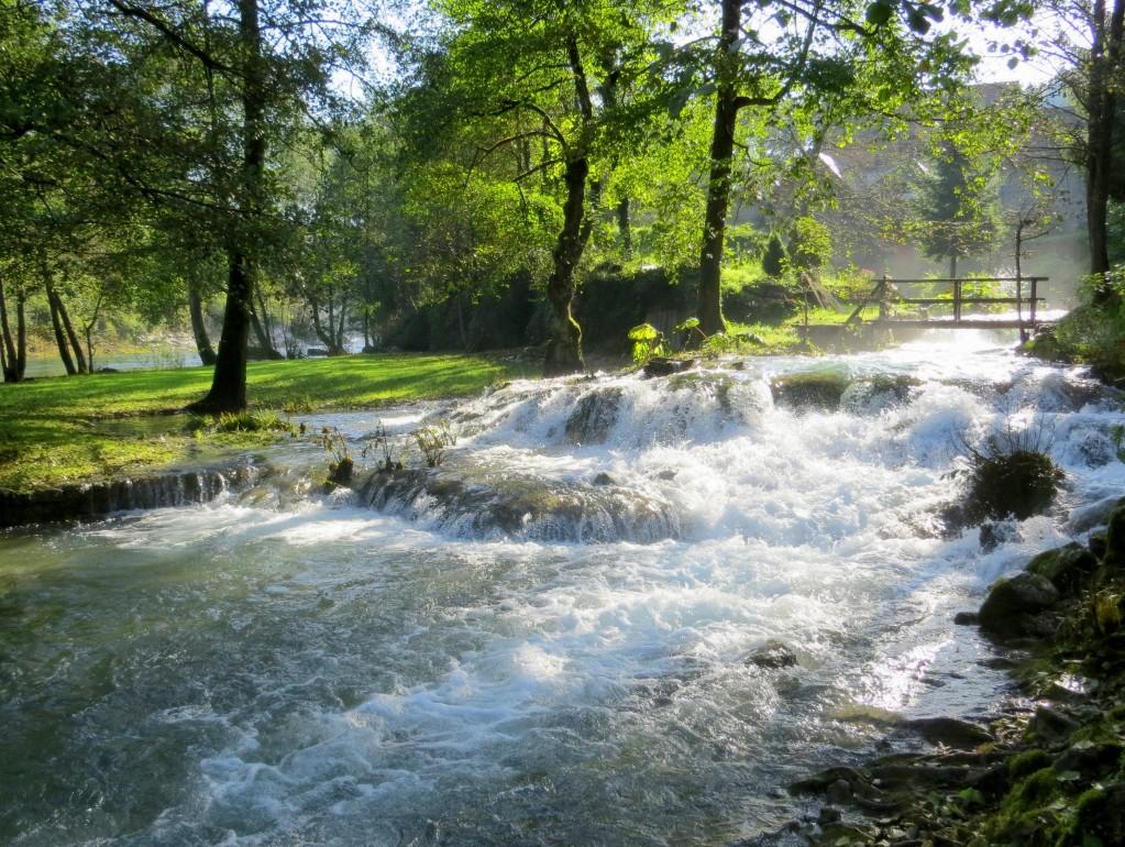 Zdjęcia: Slunj-Rastoke; skansen młynów wodnych, środkowa Chorwacja, tu woda się nie leni..., CHORWACJA