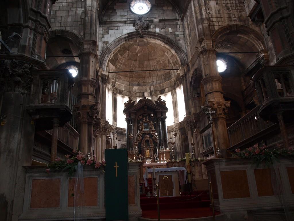 Zdjęcia: Szybennik, Dalmacja, ołtarz katedry w Szybenniku, CHORWACJA