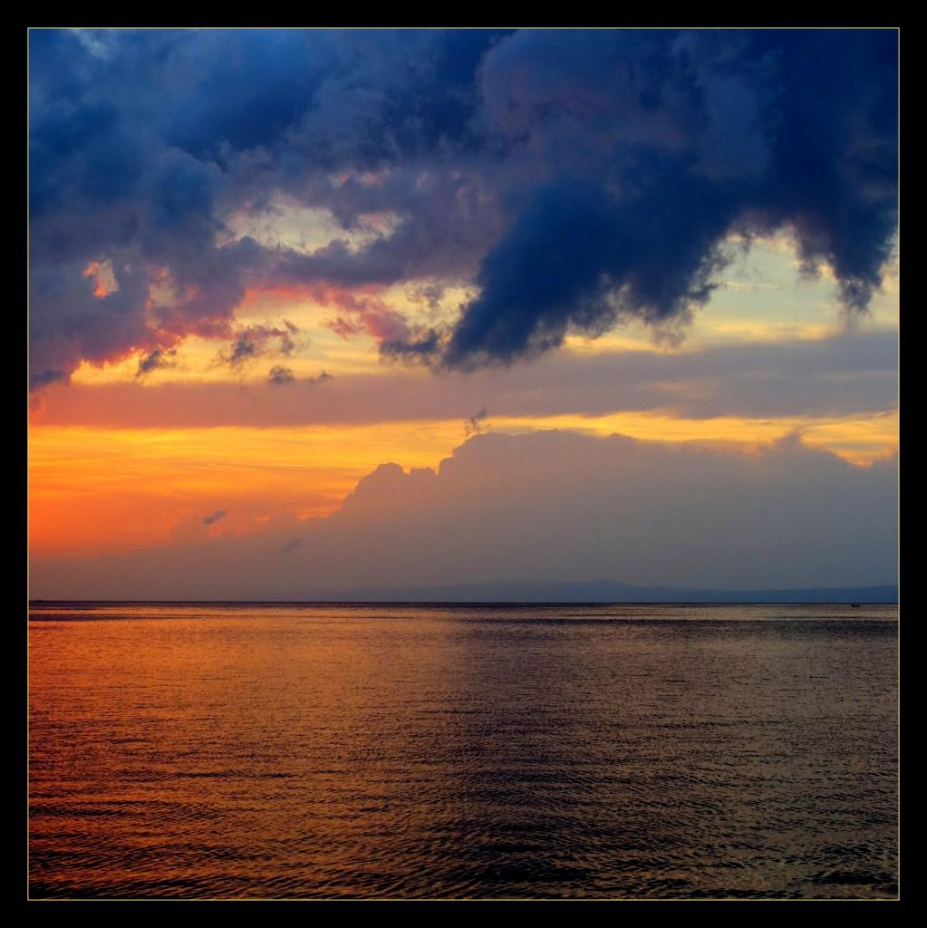 Zdjęcia: Trpanj -  portowe molo, Pelješac, słońce już za górą..., CHORWACJA