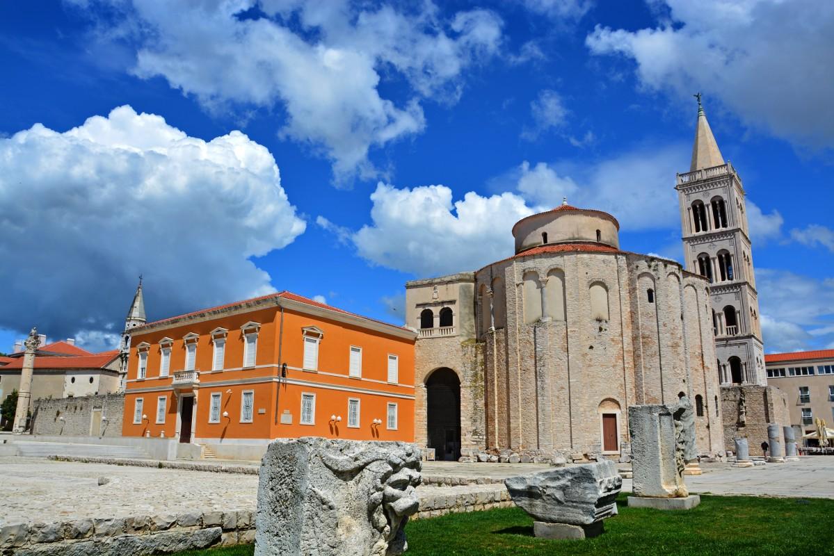 Zdjęcia: Zadar, Zadar,  rotunda kościoła św. Donata, CHORWACJA
