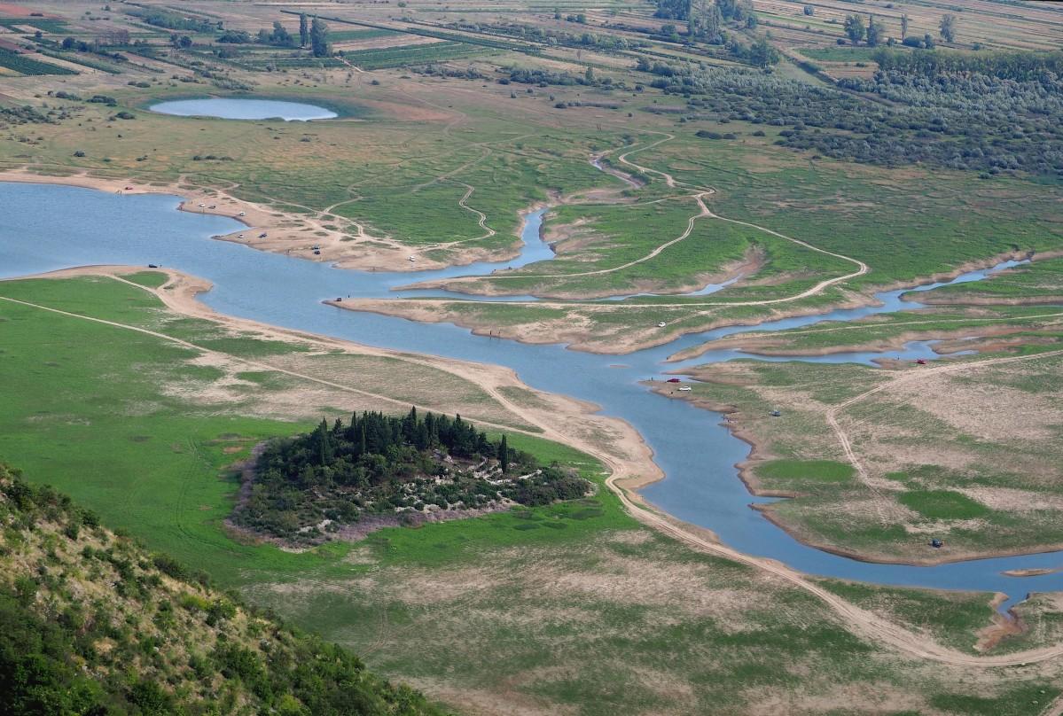 Zdjęcia: Prolosko blato, Imotska Krajina, w dolinie..., CHORWACJA