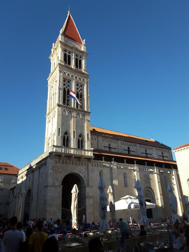 Zdjęcia: Trogir, Dalmacja, Katedra św. Wawrzyńca, widok z placu Jana Pawła II, CHORWACJA