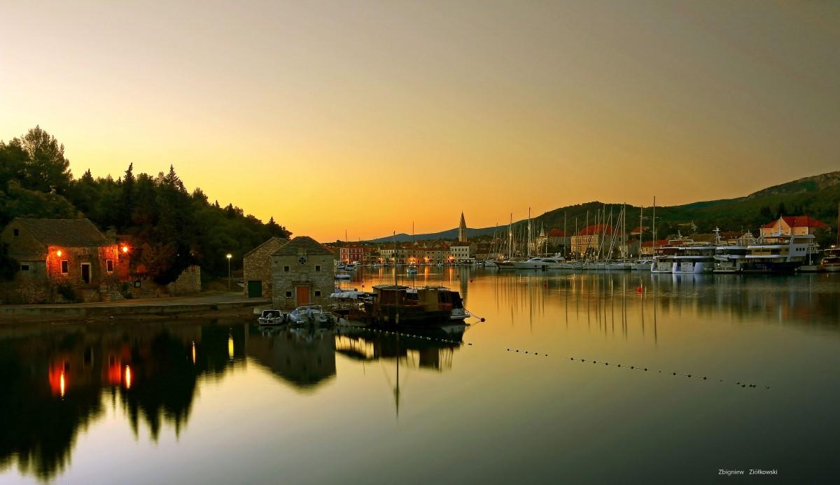 Zdjęcia: Stari Grad, Hvar, Dzień się budzi, CHORWACJA