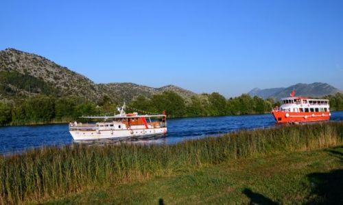 Zdjęcie CHORWACJA / -Dalmacja / Rzeka Neretwa / Wyścigi wszystkiego co pływa...