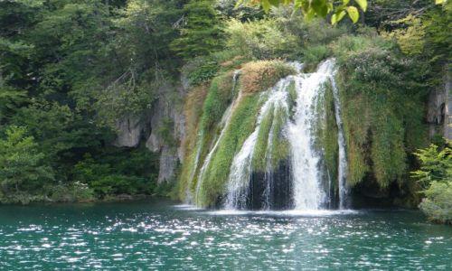 Zdjecie CHORWACJA / - / Plitvice / Wodospad w Plit