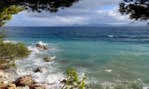 Zdjecie CHORWACJA / Dalmacja, Makarska Riviera / Zivogosce / zbiera się na burzę...
